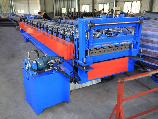 High Quality YX30-150-750 Roof Panel Forming Machine