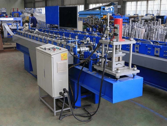 Roller Shutter Door Roll Forming Machine For YX18-81 Profile