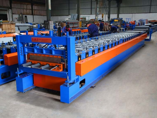 Klip-Lok Roof Panel Roll Forming Machine