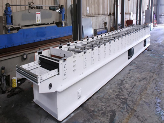 Taiwan type roofing roll forming machine